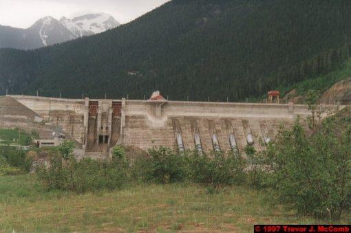 U.S.A.~Canada 240 ~ British Columbia 220 ~ Revelstoke Dam 03