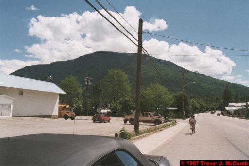 U.S.A.~Canada 272 ~ British Columbia 252 ~ Revelstoke 16 ~ Hire Car