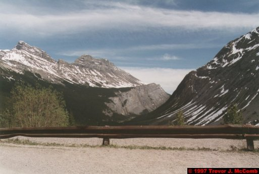 U.S.A.~Canada 677 ~ Alberta 178 ~ From Lake Louise To Athabasca Glacier 91