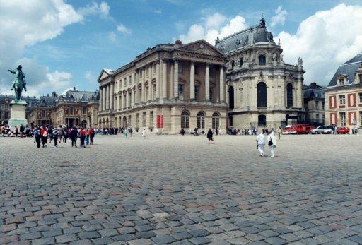 France 050 ~ Ile-de-France 050 ~ Versailles 06 ~ Palais de Versailles 06 ~ Cour des Ministres 5 ~ Cour Royal 2 ~ Château de Versailles 03 ~ Louis XIV Statue