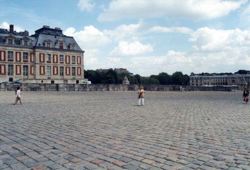 France 052 ~ Ile-de-France 052 ~ Versailles 08 ~ Palais de Versailles 08 ~ Cour des Ministres 7