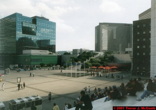 France 030 ~ Ile-de-France 030 ~ Paris 30 ~ La Défense 30 ~ Grande Arche (View From) 07 ~ Place de la Défense 17