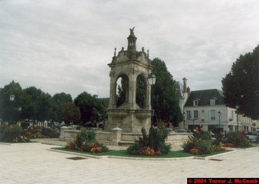 France 444 ~ Centre 207 ~ Châteaudun 18 ~ Fountain 2